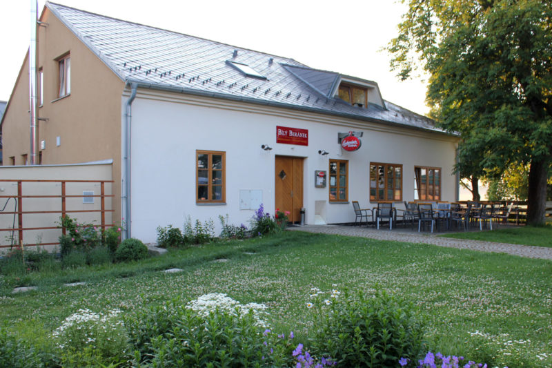 BÍLÝ BERÁNEK – Restaurant & rodinný hotel